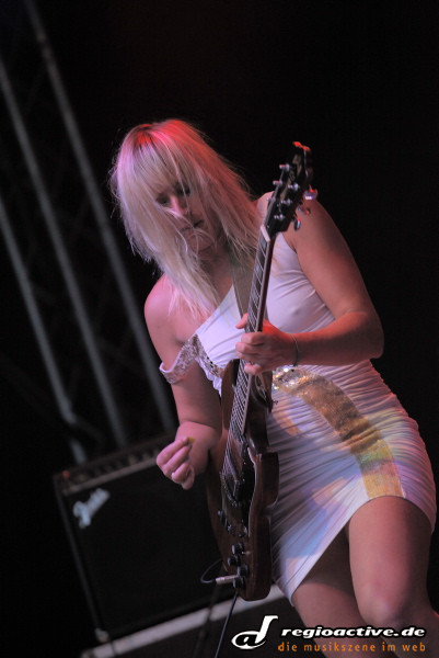 Tallujah Rendall (live auf dem Sound of the Forest Festival-Samstag 2011)